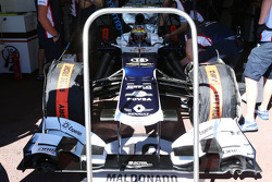 Pastor Maldonado, Williams FW35 running stepped nosecone