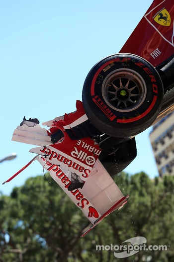 Felipe Massa, Ferrari F138 crashes at Ste Devote