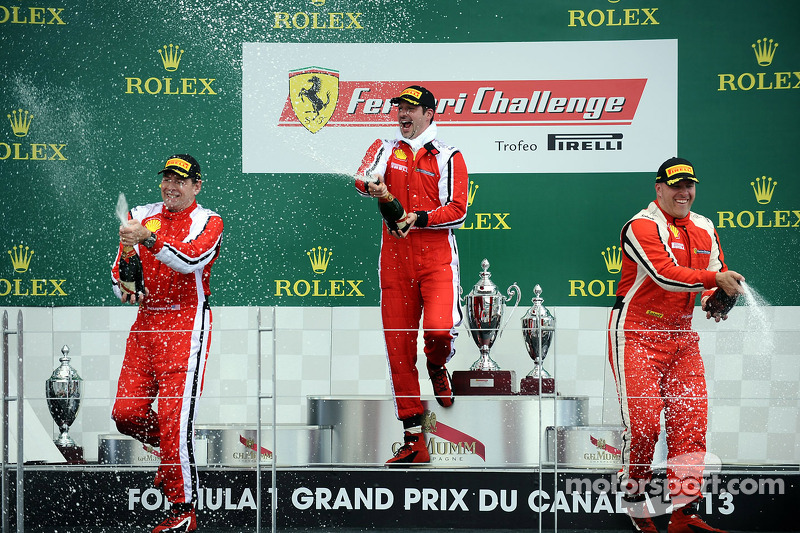 Coppa Shell podium: winner Marc Muzzo, second place Brent Lawrence, third place Jon Becker
