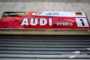 Pit sign for #1 Audi Sport Team Joest Audi R18 e-tron quattro
