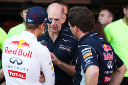 Race winner Sebastian Vettel, Red Bull Racing with Adrian Newey, Red Bull Racing Chief Technical Officer and Christian Horner, Red Bull Racing Team Principal