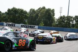 Sunday ELITE race action