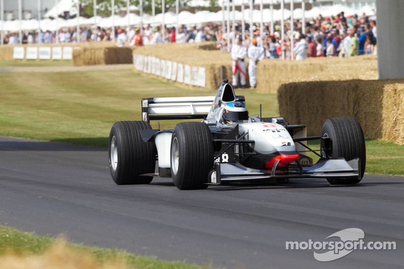 Nick Heidfeld, McLaren Mercedes MP4/13