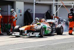 James Calado, Sahara Force India VJM06 Test Driver practices a pit stop