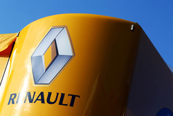 Renault logo on a truck