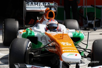 Paul di Resta, Sahara Force India VJM06 leaves the pits