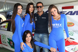 Mehdi Bennani, BMW E90 320 TC, Proteam Racing with Grid Girls