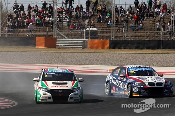 Gabriele Tarquini, Honda Civic, Honda Racing Team J.A.S.  and Tom Coronel, BMW E90 320 TC, ROAL Motorsport