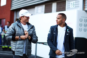 (L to R): Nico Rosberg, Mercedes AMG F1 with team mate Lewis Hamilton, Mercedes AMG F1