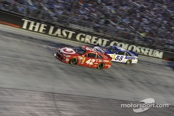 Juan Pablo Montoya, Earnhardt Ganassi Racing Chevrolet and Brian Vickers, Michael Waltrip Racing Toyota