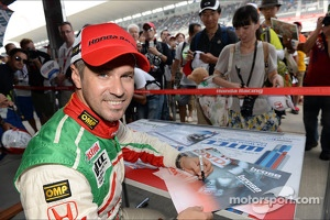 Autograph session, Tiago Monteiro, Honda Civic Super 2000 TC, Honda Racing Team Jas