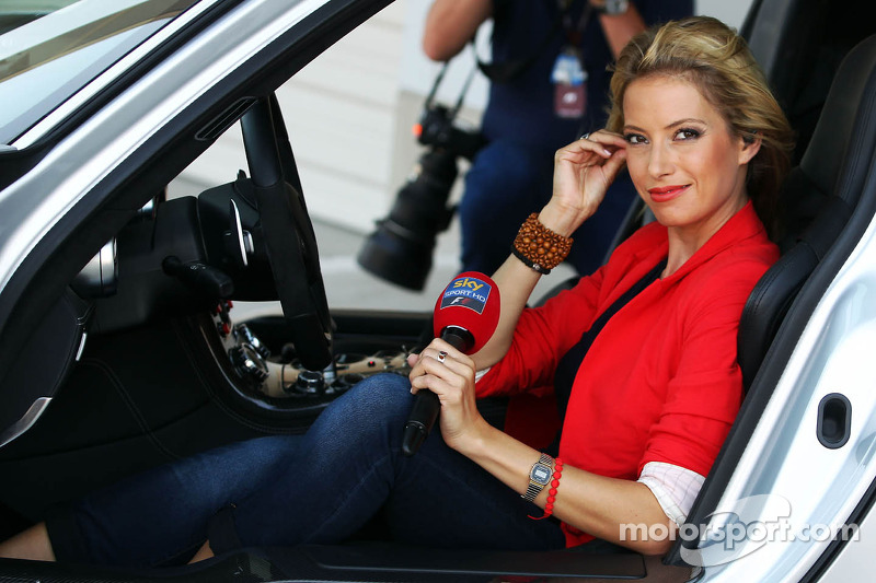Sarah Winkhaus, Sky Sports F1 Presenter