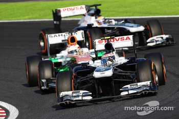 Valtteri Bottas, Williams FW35 leads Paul di Resta, Sahara Force India VJM06 and Pastor Maldonado, Williams FW35