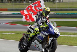 Valentino Rossi, Yamaha Factory Racing with a flag remembering Marco Simoncelli