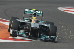 Lewis Hamilton, Mercedes AMG F1 W04 sends sparks flying