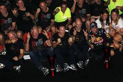 Race winner and World Champion Sebastian Vettel, Red Bull Racing celebrates with, Red Bull Racing Team Manager; Dr Helmut Marko, Red Bull Motorsport Consultant; Adrian Newey, Red Bull Racing Chief Technical Officer; Christian Horner, Red Bull Racing Team