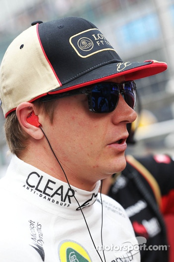 Kimi Raikkonen, Lotus F1 Team on the grid