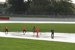 Marshals clearing water
