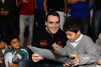 Norbert Michelisz, Honda Civic, Zengo Motorsport with young fans