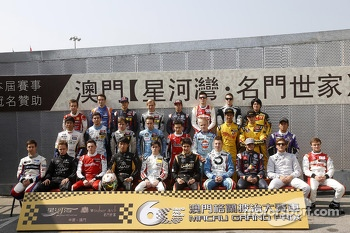 Groupshot all F3 Drivers