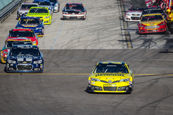 Matt Kenseth, Joe Gibbs Racing Toyota leads the field back to track