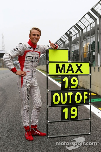 Max Chilton, Marussia F1 Team celebrates his 100% GP finishing record