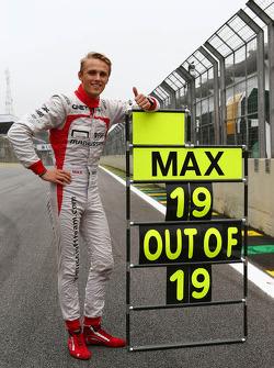 Max Chilton, Marussia F1 Team celebrates his 100% GP finishing record