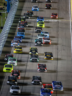 Start: Ryan Blaney and Johnny Sauter lead the field