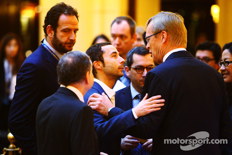 (L to R): Jean Todt, FIA President with Nicolas Todt, Driver Manager and Ari Vatanen, Former World Rally Champion