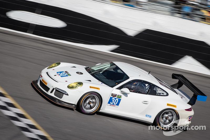 #30 NGT Motorsport Porsche 911 GT America: Henrique Cisneros, Christina Nielsen, Frédéric Makowiecki, Kuba Giermaziak