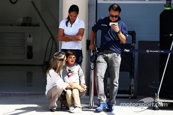 Felipe Massa, Williams with his wife Rafaela Bassi, and son Felipinho
