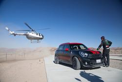 Jay Leno drives Dakar winning Mini
