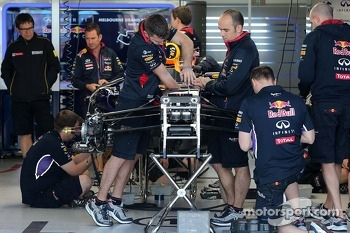 Red Bull Racing mechanics 13