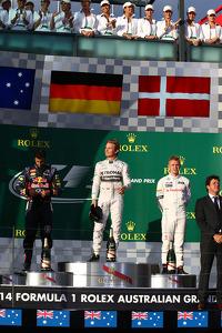 F1 Fotos - 1er lugar Nico Rosberg, Mercedes AMG F1 W05, 2do lugar Daniel Ricciardo, Red Bull Racing RB10 y 3er puesto Kevin Magnussen, McLaren MP4-29