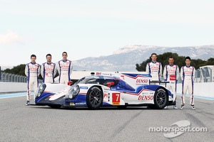 Anthony Davidson, Nicolas Lapierre, Sebastien Buemi with the Toyota TS040 Hybrid
