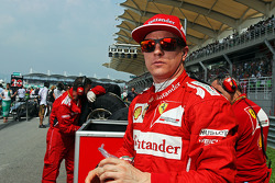 Kimi Raikkonen, Ferrari on the grid