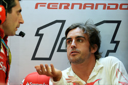 (L to R): Andrea Stella, Ferrari Race Engineer with Fernando Alonso, Ferrari