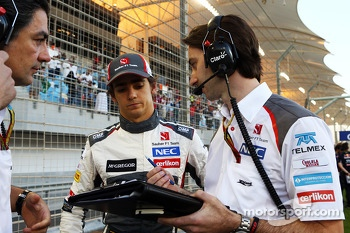 Esteban Gutierrez, Sauber C33 p on the grid