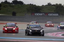 James Thompson, Lada Granta 1.6T, LADA Sport Lukoil and Tom Chilton, Chevrolet RML Cruze TC1, ROAL Motorsport