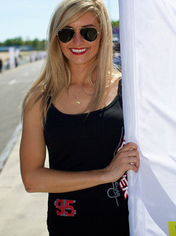 Lovely grid girl