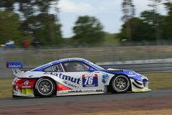 #76 IMSA Performance Matmut Porsche 911 GT3 R: Raymond Narac, Nicolas Armindo