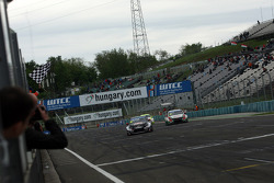 Chequered flag for Gianni Morbidelli, Chevrolet RML Cruze TC1, ALL-INKL_COM Munnich Motorsport