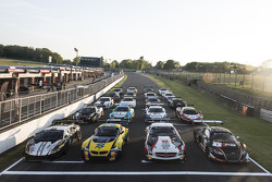 The field of Sprint Series cars at Brands Hatch