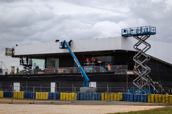 A huge Porsche hospitality building in construction