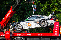 Crash for #67 IMSA Performance Matmut Porsche 911 GT3 RSR (997)