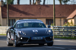 Porsche Sport Driving School rides before the qualifying session