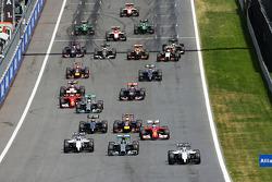 Pole sitter Felipe Massa, Williams FW36 leads at the start of the race