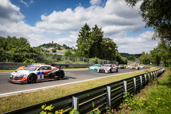 Start: #10 Abt Racing Audi R8 LMS ultra: Christopher Mies, Christer Jöns, Niclas Kentenich, Dominik Schwager