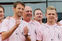 F1: Jenson Button, McLaren; Ron Dennis, McLaren Executive Chairman; Kevin Magnussen, McLaren; and the McLaren team wear Pink for Papa, in tribute to the late John Button