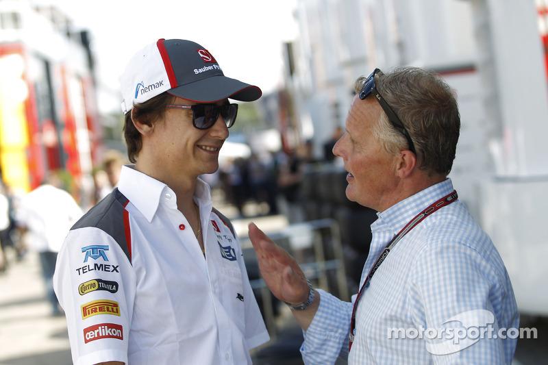 (L to R): Esteban Gutierrez, Sauber with Johnny Herbert